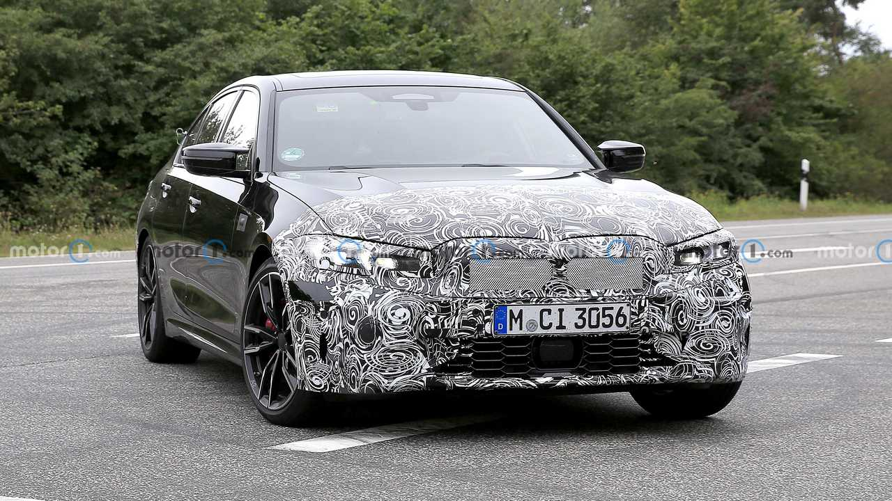 BMW Serie 3 M340i restyling, le foto spia
