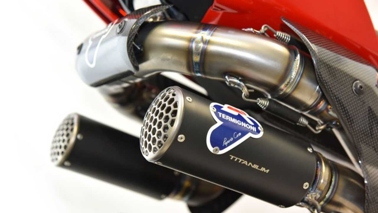 Check Out Termignoni's D200 Exhaust For The Ducati Panigale V4