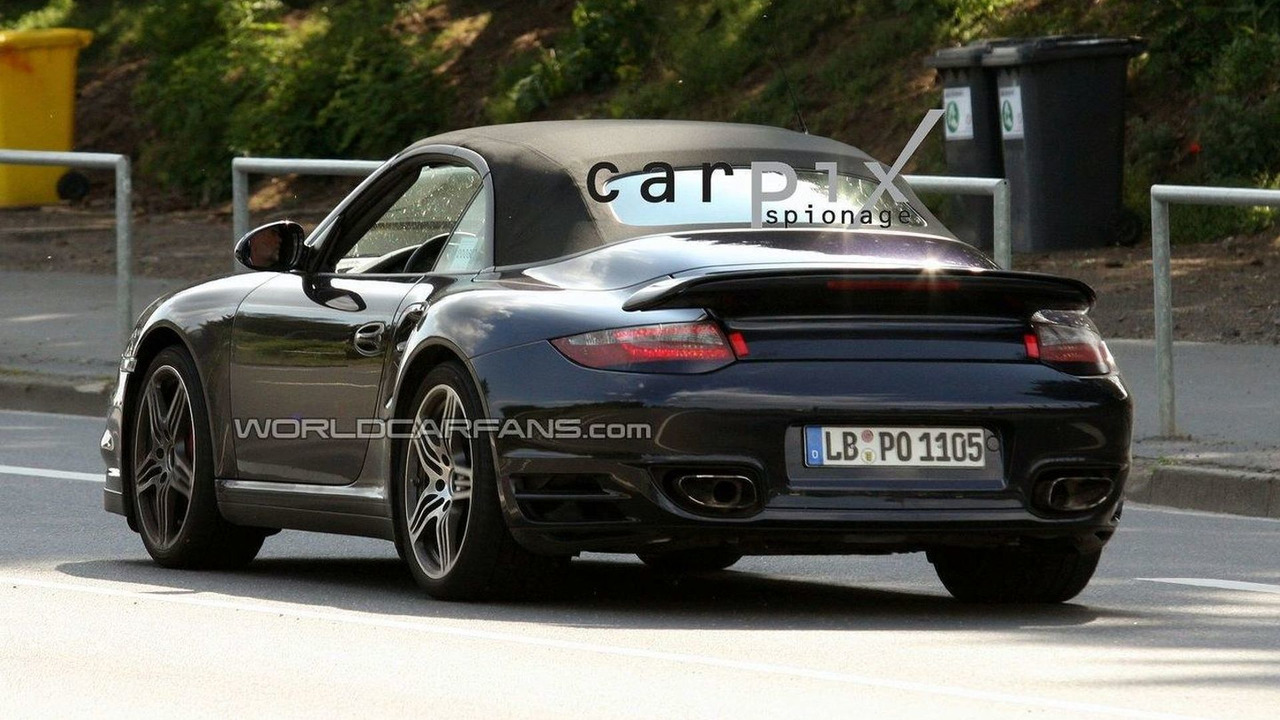 Porsche 997 Turbo Cabriolet facelift spy photo
