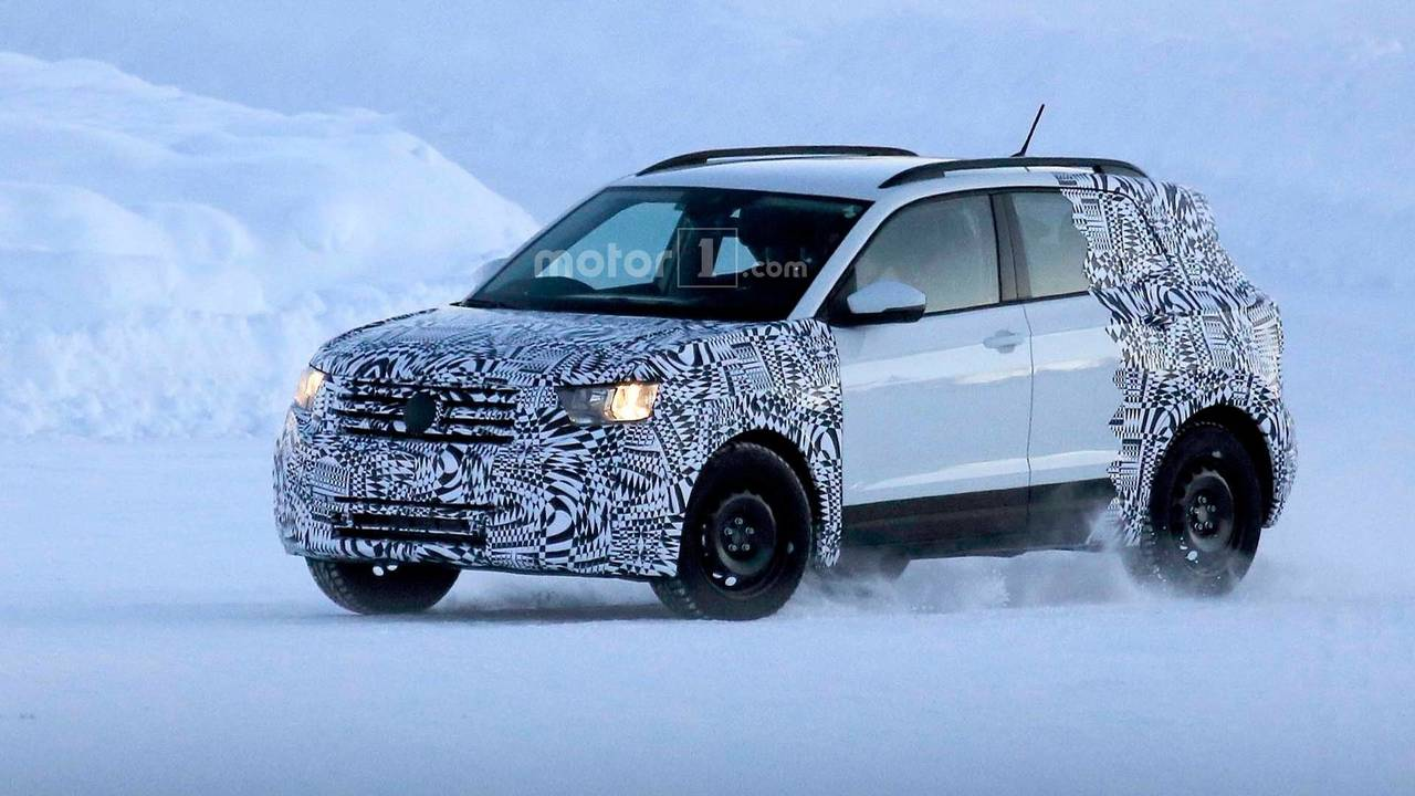 2018 Volkswagen T-Cross CUV spy photo