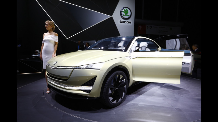 Salone di Francoforte: Skoda Karoq, praticità a ruote alte [VIDEO]