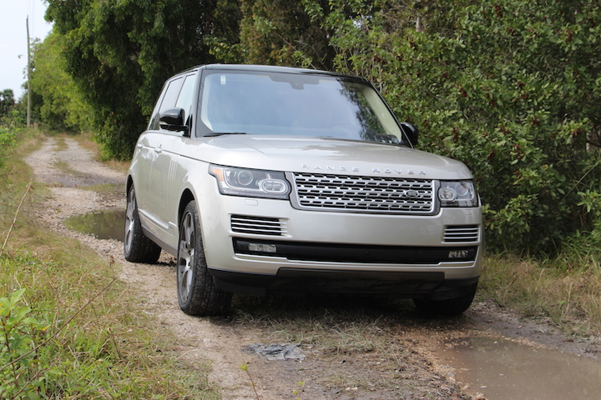 The 2016 Range Rover Is Way Better Than Kardashians Make It Look Review