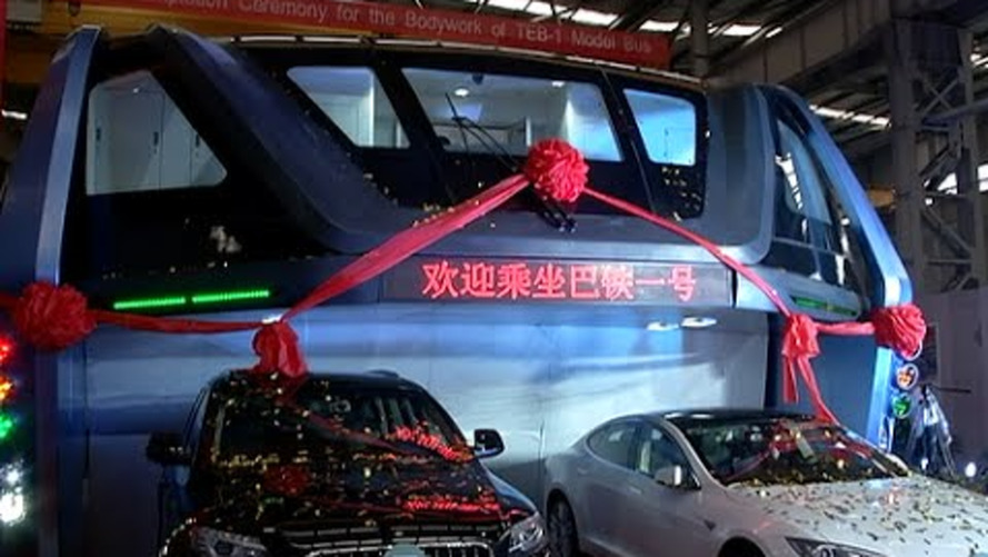 Full-scale 'straddling bus' prototype shown