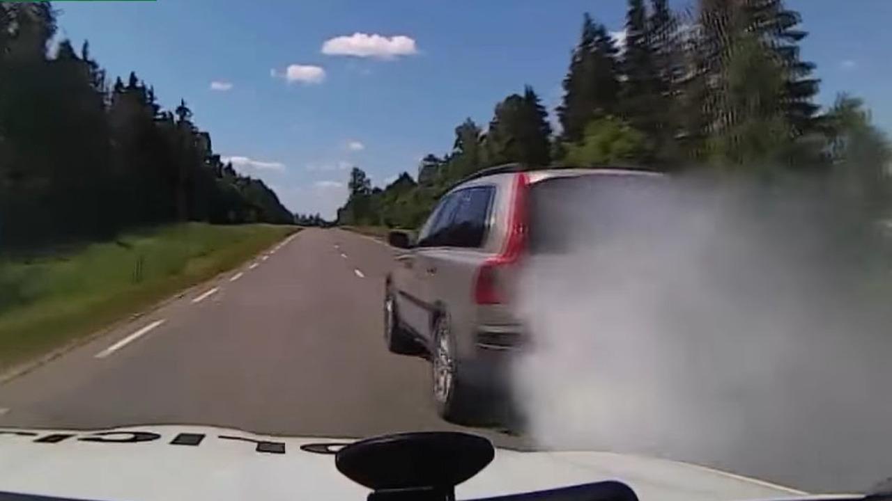 Volvo XC90 Chase