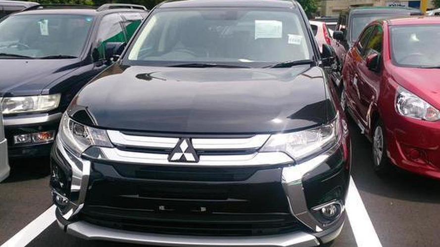 Mitsubishi Outlander PHEV facelift photographed undisguised