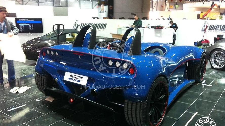 Wiesmann Spyder Concept caught on Geneva show room floor, 1200 - 27.02.2011