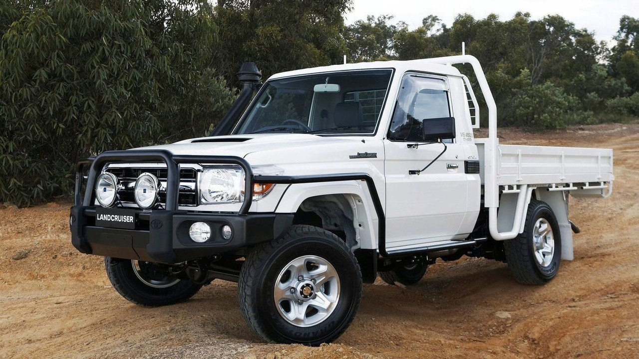 Toyota Landcruiser 70 Series With Gxl Cab Chassis Photos Land Cruiser