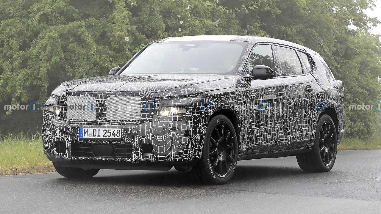 BMW model baru dari X Series akan segera masuk showroom.