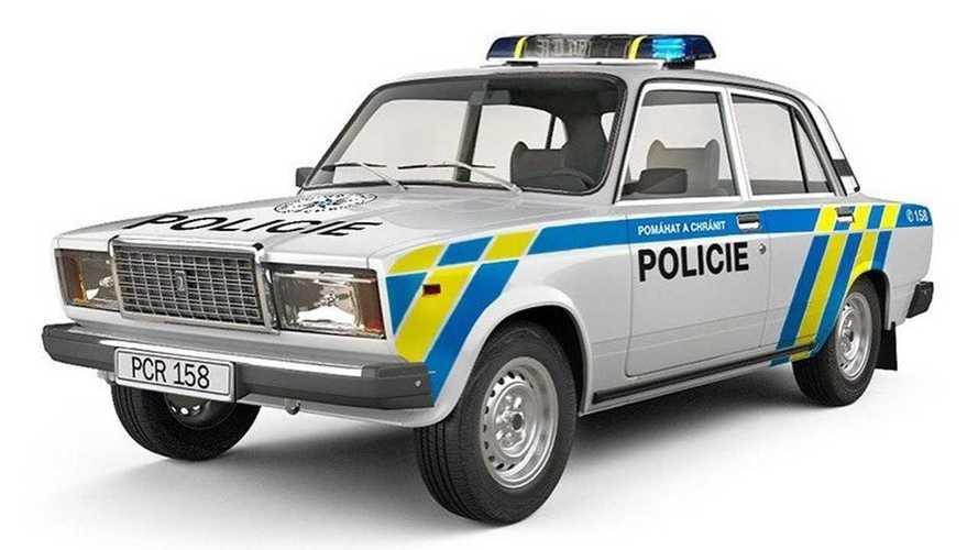 Исторические машины в современной ливрее чешской полиции