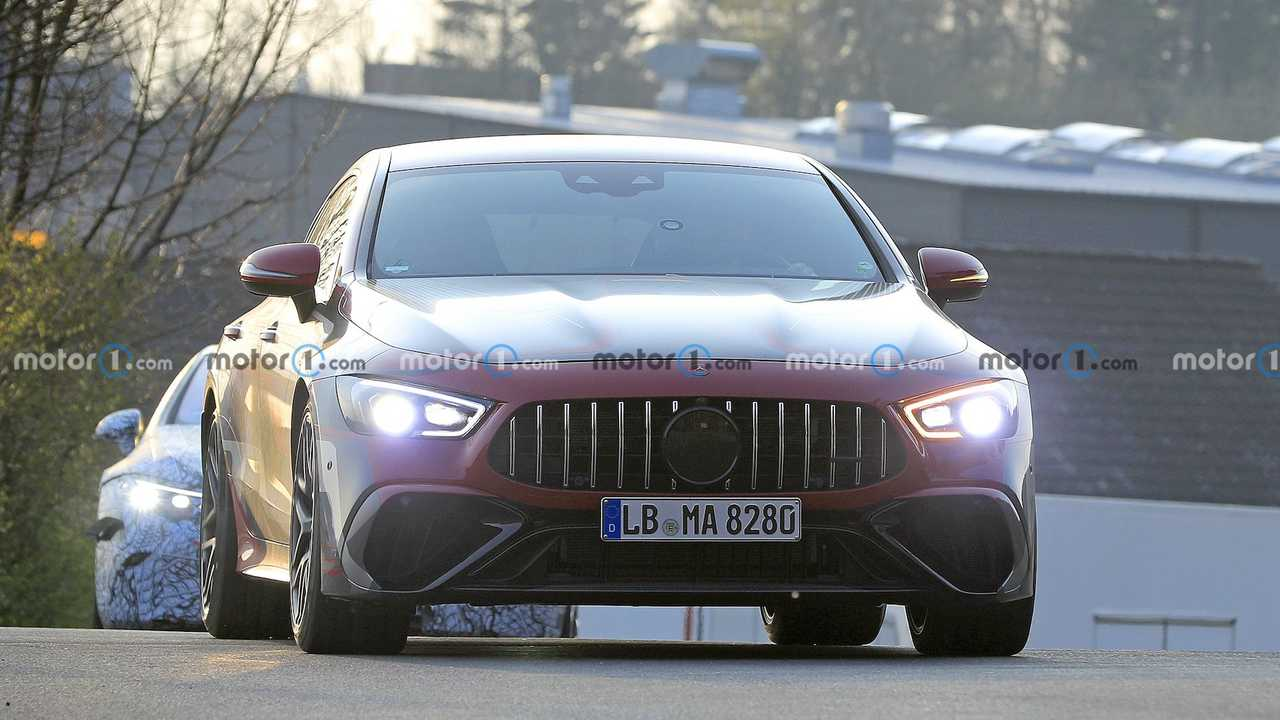 Mercedes-AMG GT73e kamuflajlı prototip