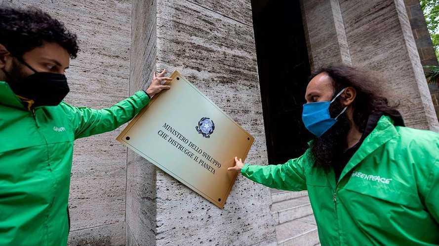 Greenpeace contro il Pnrr