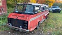 Irrer VW Bus mit acht Rädern steht bei eBay USA zum Verkauf
