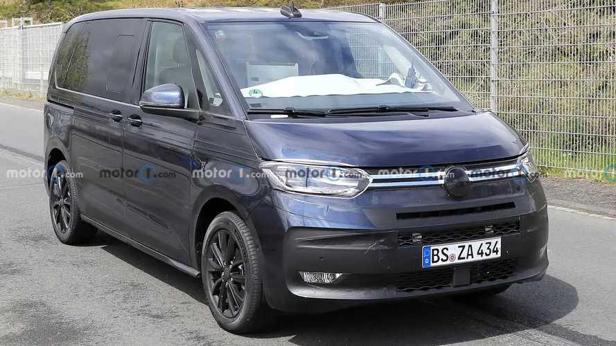 VW T7 Multivan (2021): Erlkönig kurz vor der Premiere erwischt