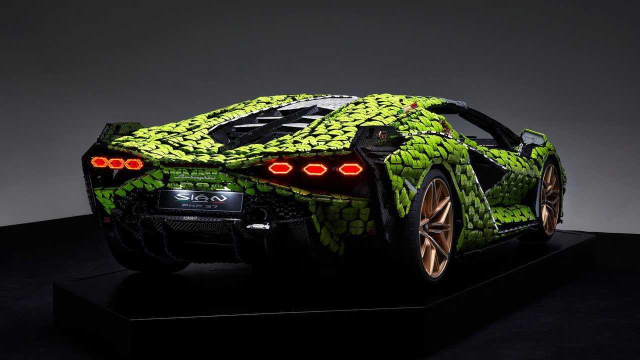 Lamborghini Sian, la replica in scala 1:1 di Lego