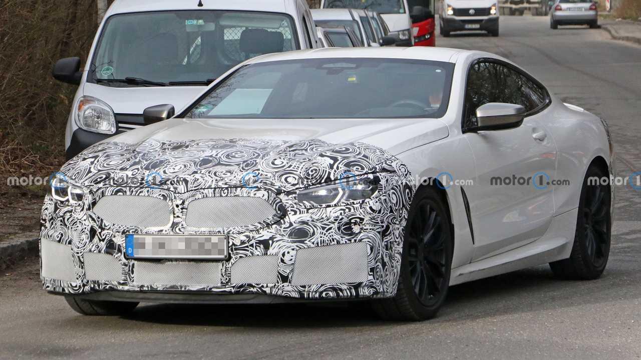 BMW Série 8 Coupé restylée en photos espion