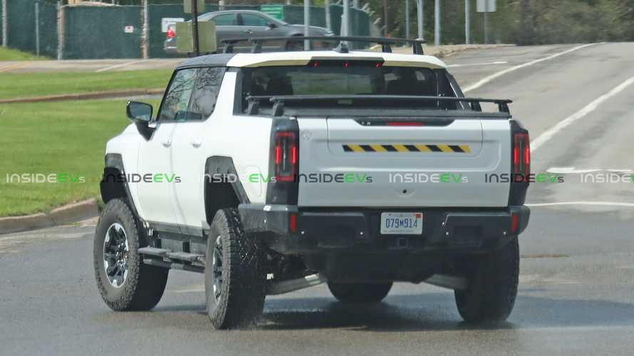 Check Out How The GMC Hummer EV Pickup Uses Both Axles To Steer
