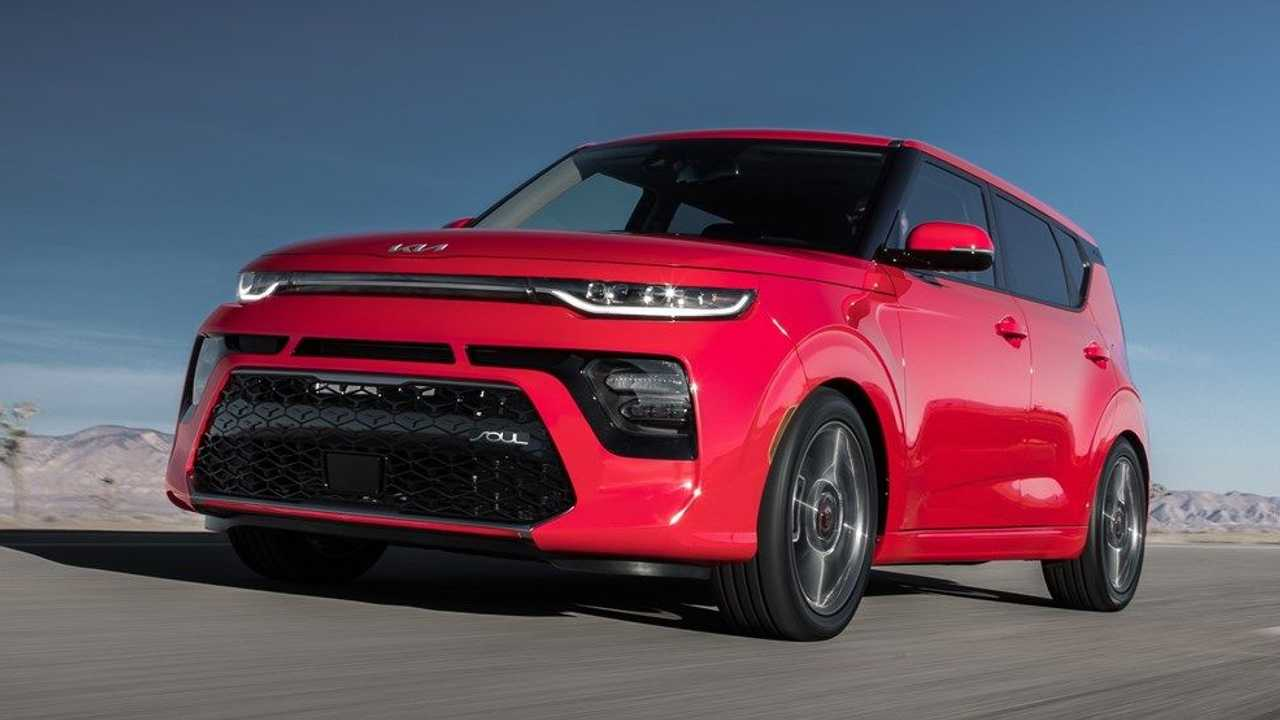 2022 kia soul red front end