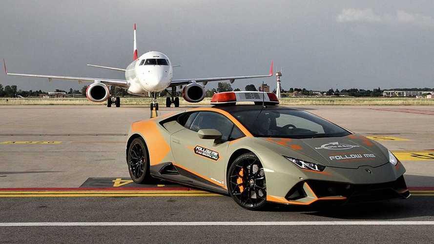 Lamborghini Huracan Evo в аэропорту Болонья