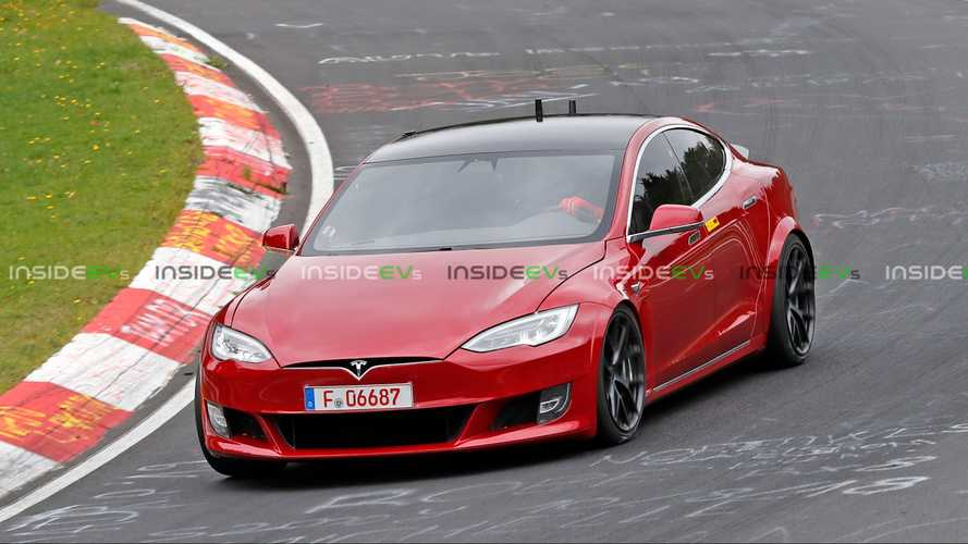 Red Tesla Model S Plaid reportedly crashed at Nurburgring