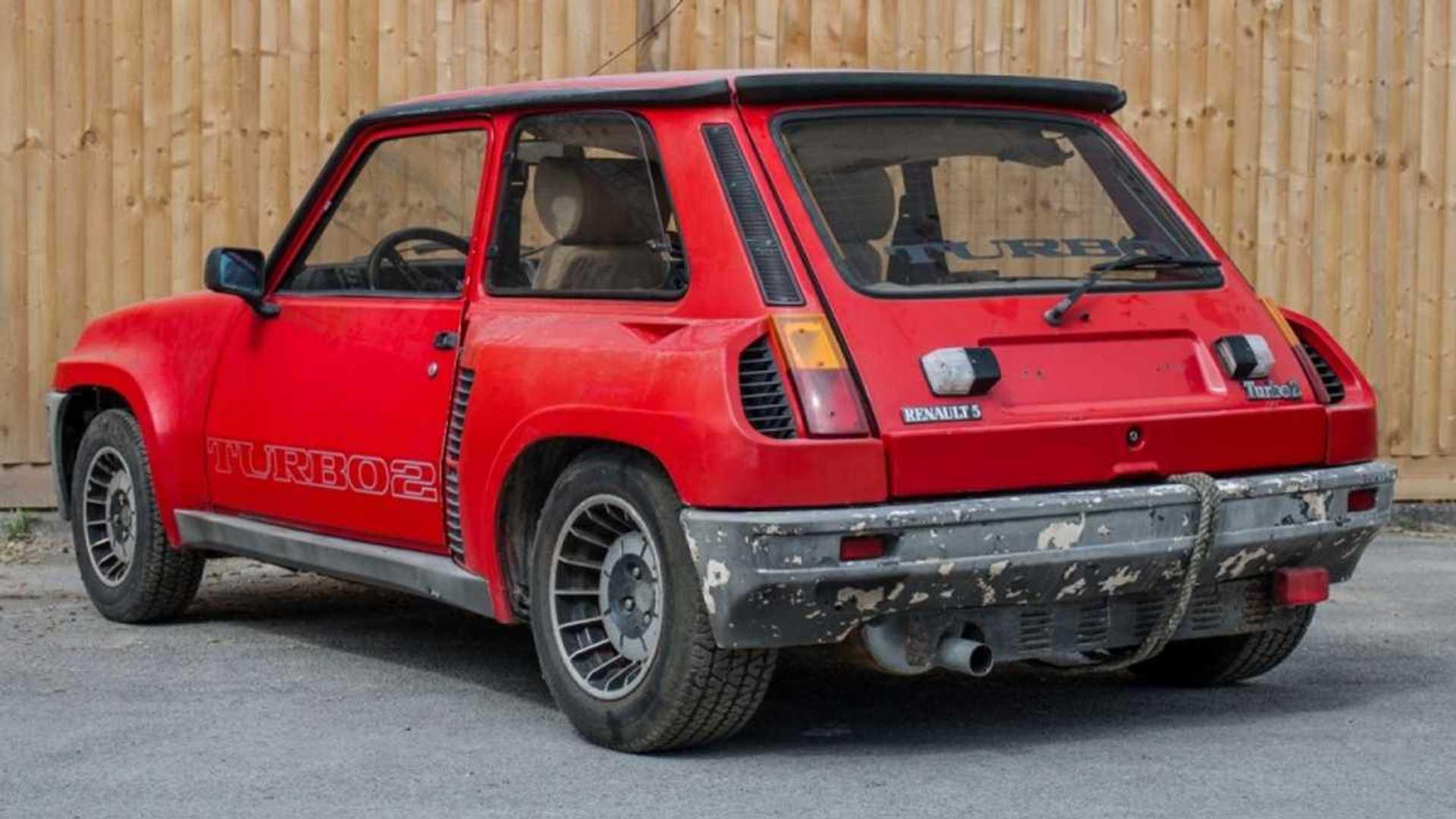 Por un precio más bajo... ¿comprarías este Renault 5 destrozado?