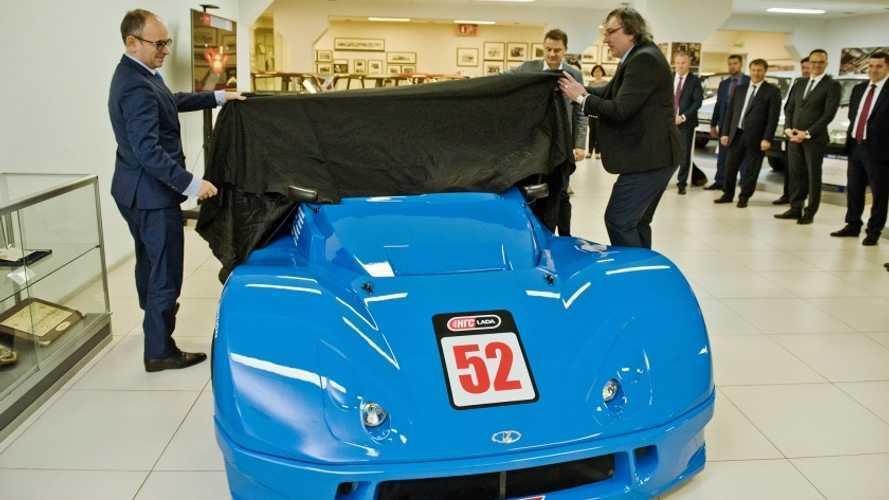 Múzeumában állítja ki a Lada versenyautóját, a Revolutiont