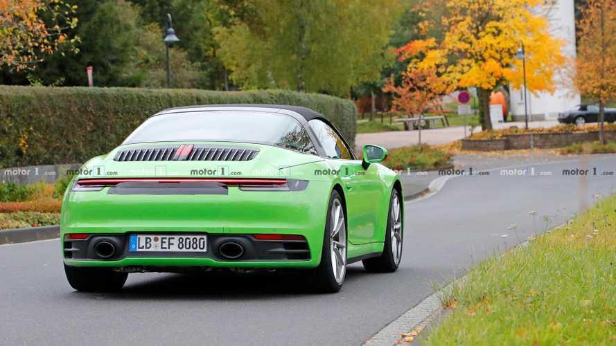 Porsche 911 Targa kendisi gibi harika yollarda görüldü