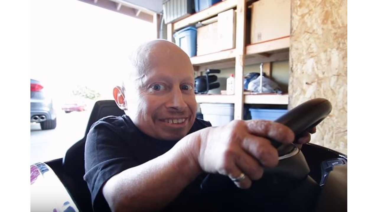 Verne Troyer (AKA Mini-Me) Gets A Tesla For Christmas - Unboxing Video