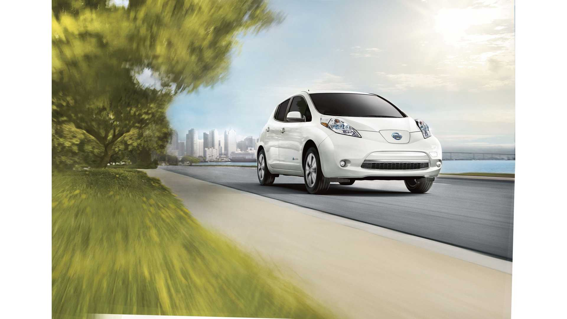 2017 Nissan Leaf Lower Cost Of Entry For 107 Miles Driving 30 Kwh Battery