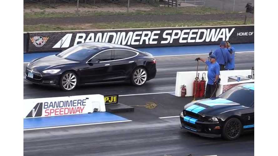 Tesla Model S Versus Ford Mustang GT500 - Drag Race Video