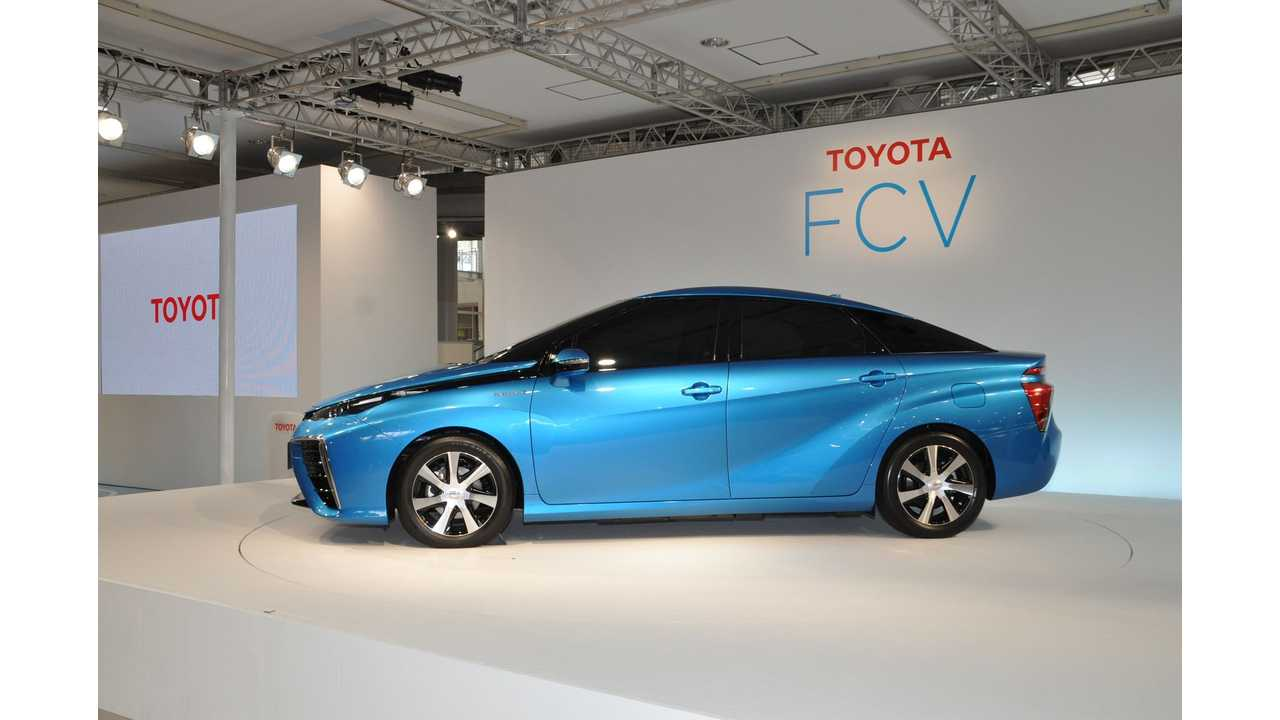 Toyota Reveals $70,000 Fuel Cell Sedan - Sales in Japan Start April 2015, Shortly After In Europe & US (w/videos)