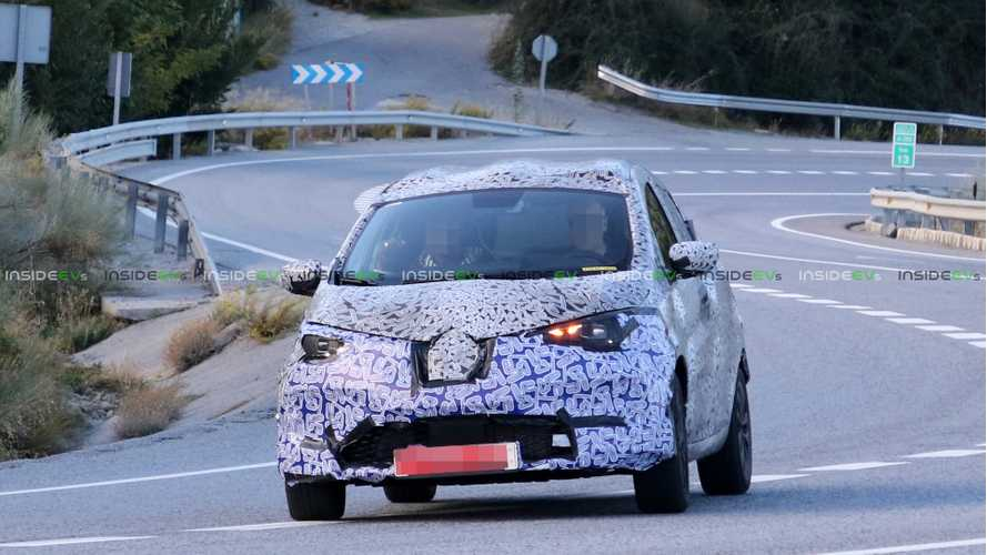 2nd Generation Renault ZOE Spied In The Wild