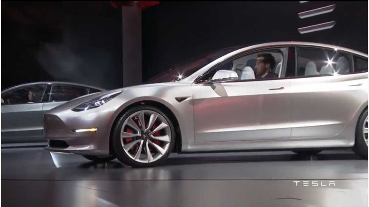 Should You Buy Tesla Model 3, Model S Or Model X? Elon Musk Provides Some Suggestions
