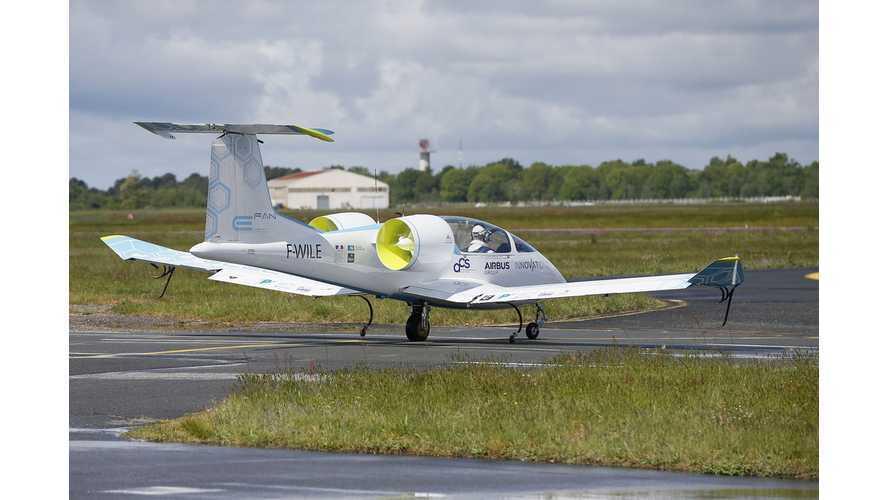 E-Fan Electric Airplane at ILA Berlin Air Show 2014 (Videos)