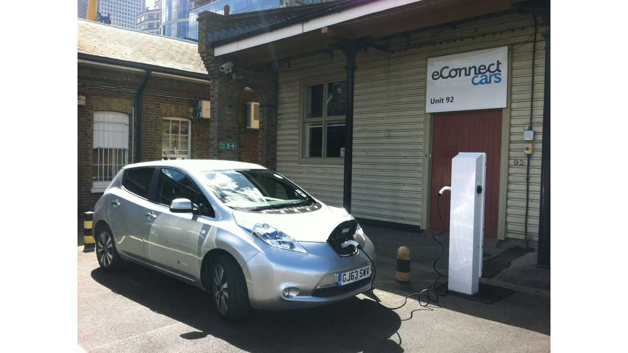 eConnect Cars Introduces All-Electric Taxi Nissan LEAF Service In London