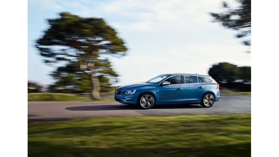 2015 Volvo V60 Plug-In Hybrid R-Design Gets Revealed