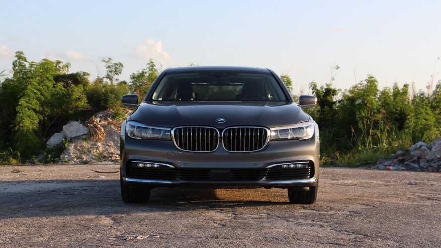 2018 BMW 740e Plug-In Hybrid Test Drive Review