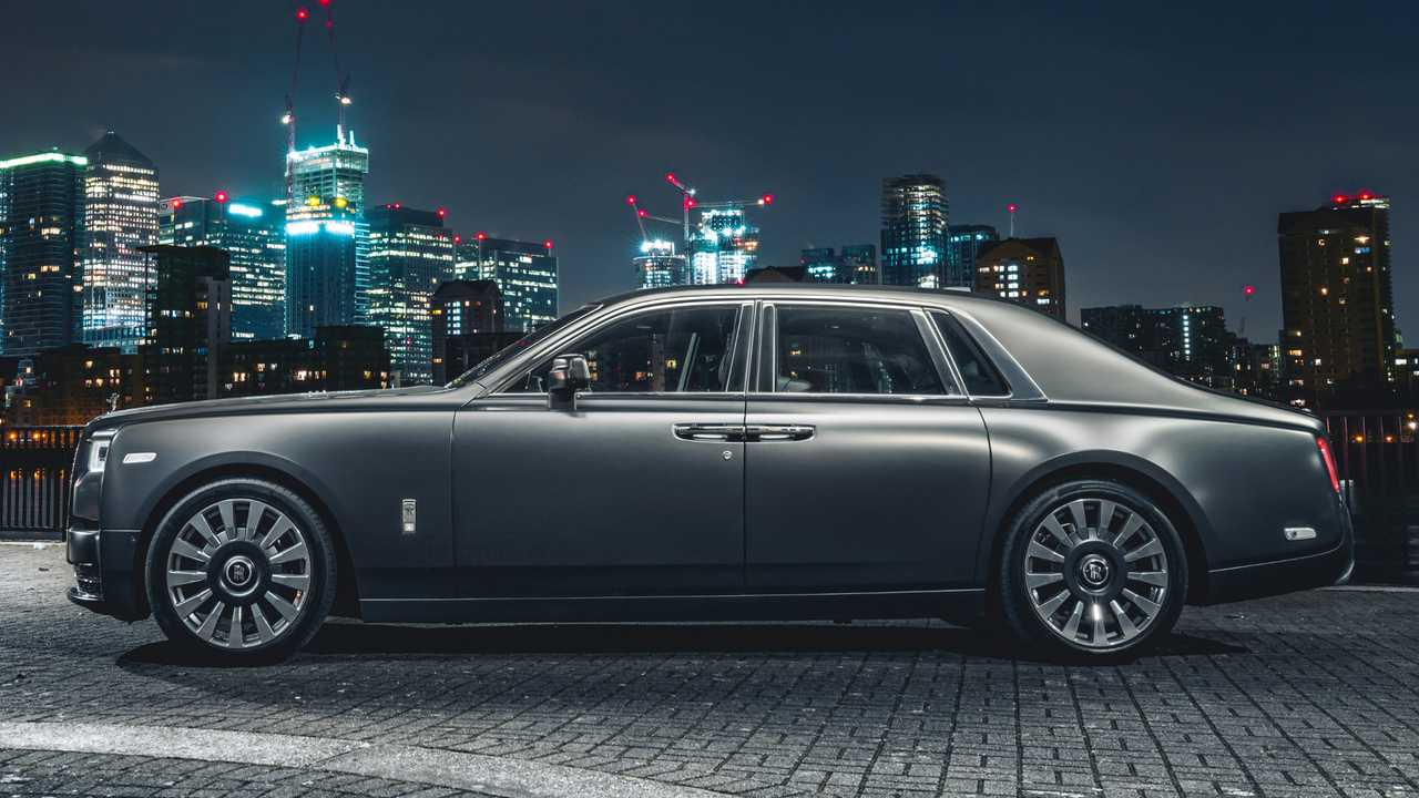 London Motor Cars >> Rolls-Royce's London showroom no longer sufficient