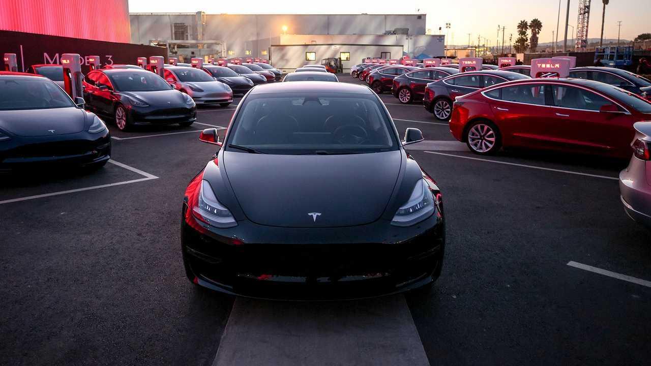 Tesla Model 3 Mid Range Deliveries Underway