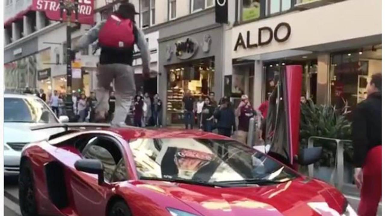 Guy Runs On Lamborghini Aventador