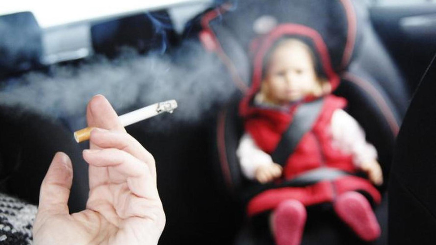 UK wants to ban smoking in cars carrying children