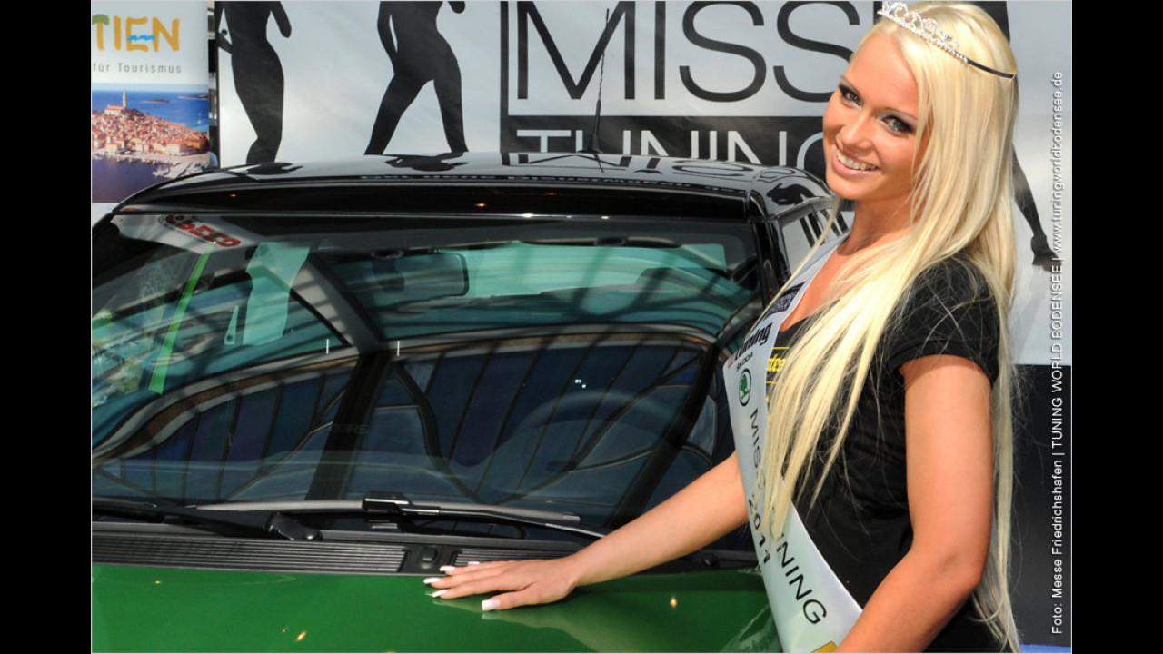 Eine Miss Tuning braucht einen Dienstwagen: Der Miss Tuning 2011 steht 180 PS starker Skoda Fabia RS zur Verfügung