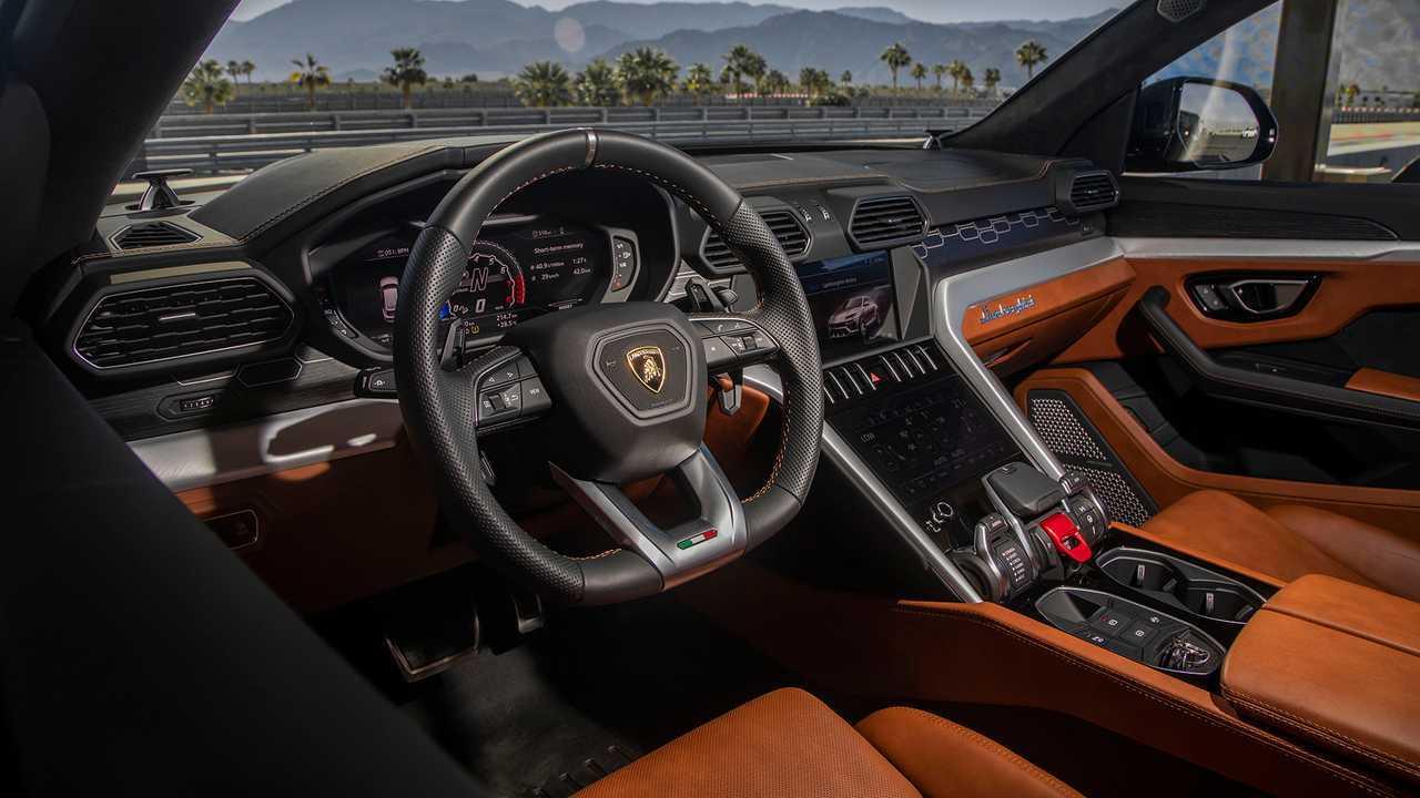2019 Lamborghini Urus First Drive Welcome To The Herd