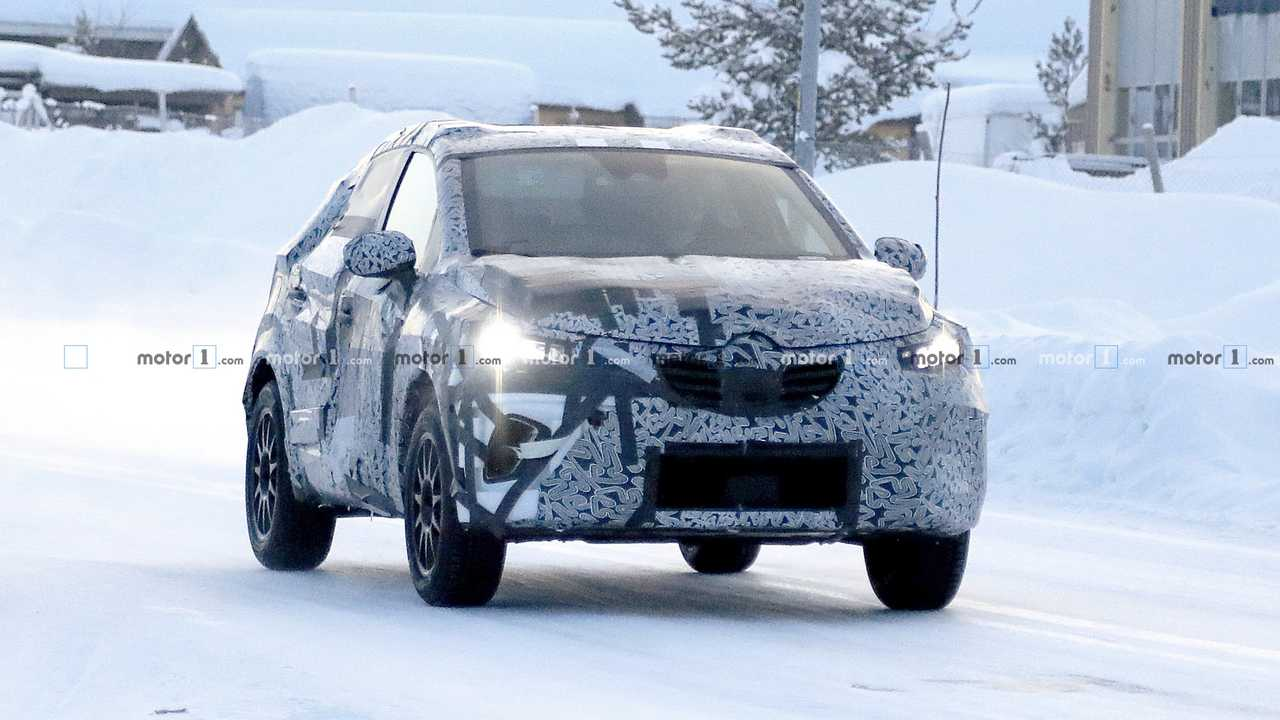 2019 Renault Captur spy photo
