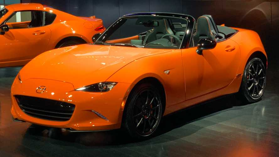 2019 Mazda MX-5 Miata 30th Anniversary Edition Rolls Into Chicago [UPDATE]