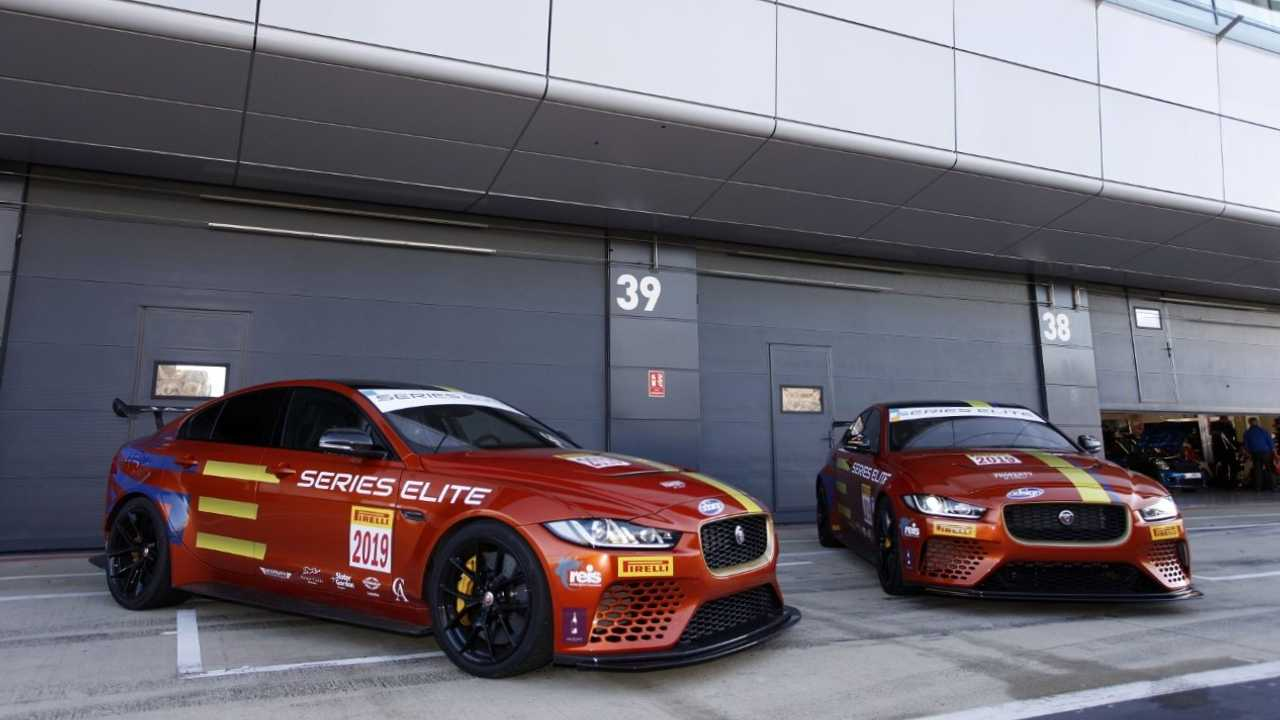 Jaguar Project 8 Racecar (Series Elite)