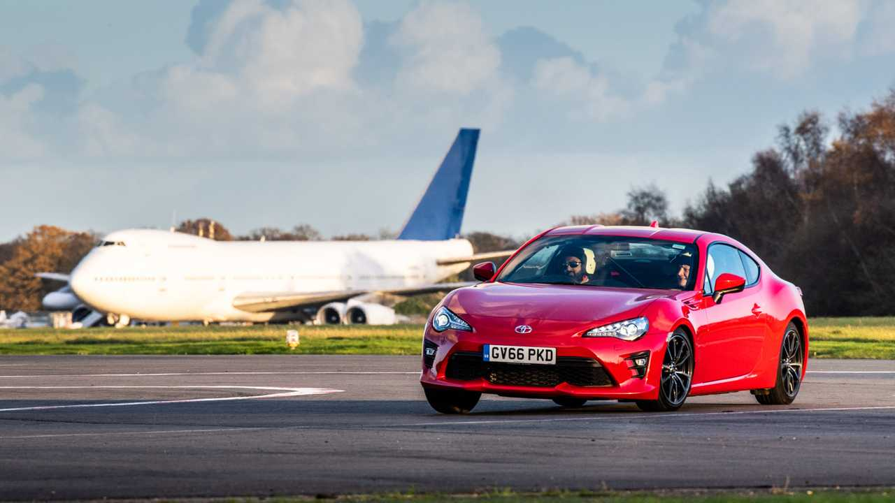 Blind man sets top-10 lap time on the Top Gear track