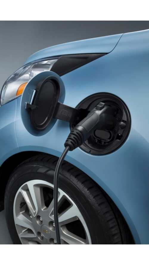 GM Exec Says Transition to Electric Vehicles is Right Around the Corner; Charging Infrastructure Needs to Catch Up