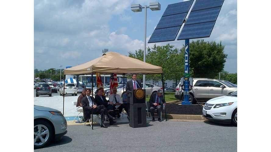 Small Footprint Solar Charging Station Unveiled