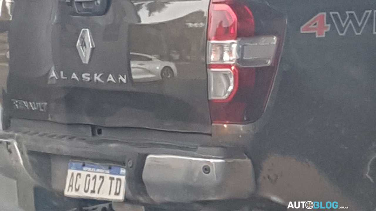Flagra Renault Alaskan - Argentina