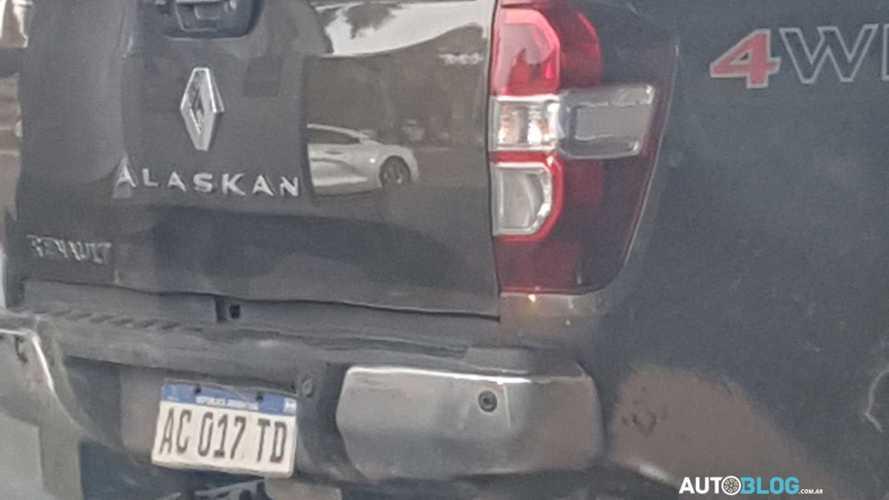 Aguardada no Brasil, picape Renault Alaskan é vista em testes na Argentina